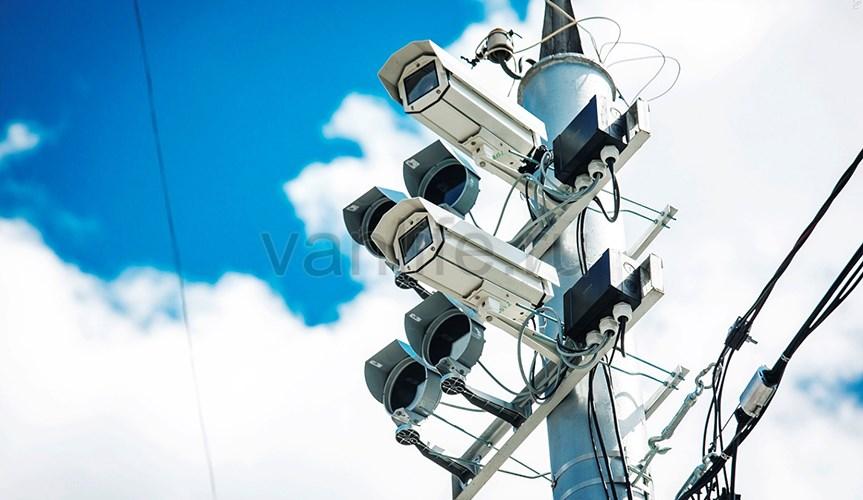 Камеры фотовидеофиксации будут штрафовать за выброшенный мусор из автомобиля