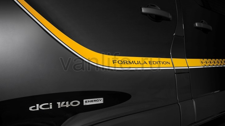 В Австралии начнут продавать спецверсию фургона Renault Trafic Formula Edition. покупка Renault Trafic Formula Edition. продажа Renault Trafic Formula Edition