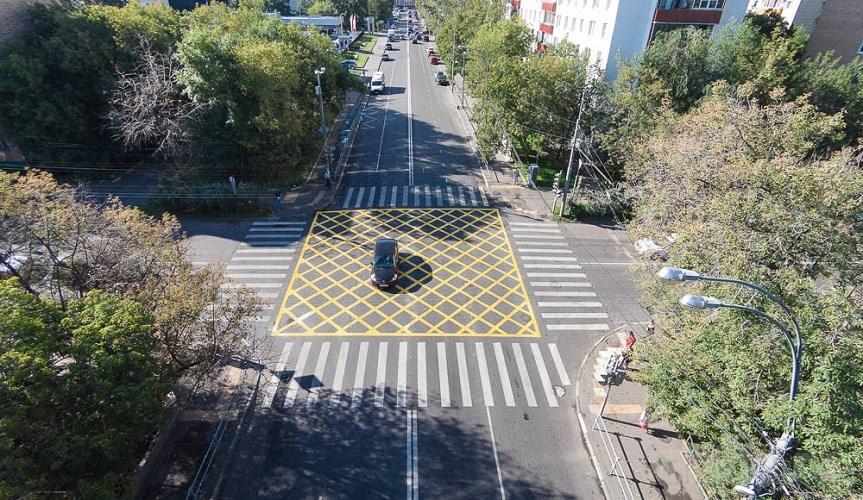 На автомобильных дорогах может появиться «вафельная» разметка