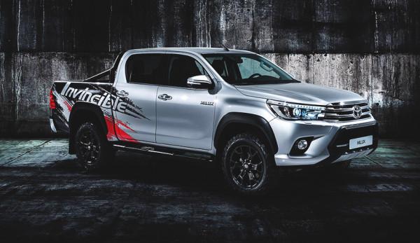 Toyota представила спецверсию пикапа Hilux на автосалоне во Франкфурте
