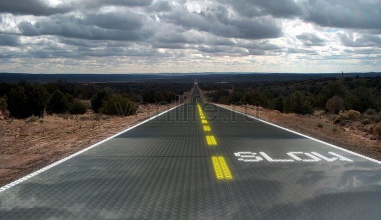 Во Франции начали эксплуатацию дороги из солнечных панелей