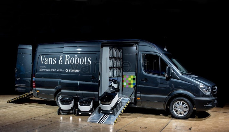 Компания Mercedes-Benz работает над внедрением робототехники в Sprinter