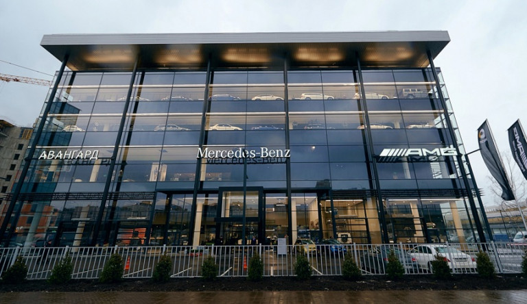Открыт крупнейший на северо-западе дилерский центр «Мерседес-Бенц»