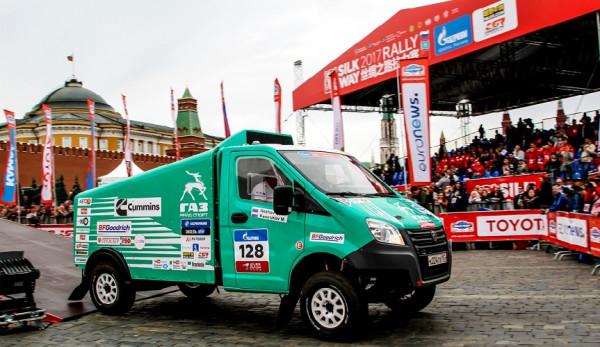 Автомобили ГАЗ стартовали в ралли-марафоне «Шелковый путь–2017»