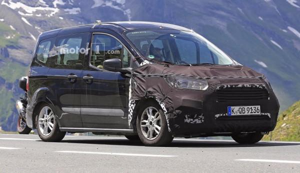 Новое поколение Ford Tourneo Courier вновь попало в объективы фотошпионов