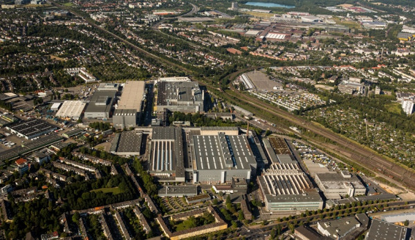 Завод Mercedes-Benz в Дюссельдорфе станет центром передового опыта по производству фургонов Sprinter с электроприводом